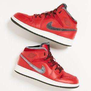 Nike Air Jordan 1 Mid Premium 'Varsity Red'